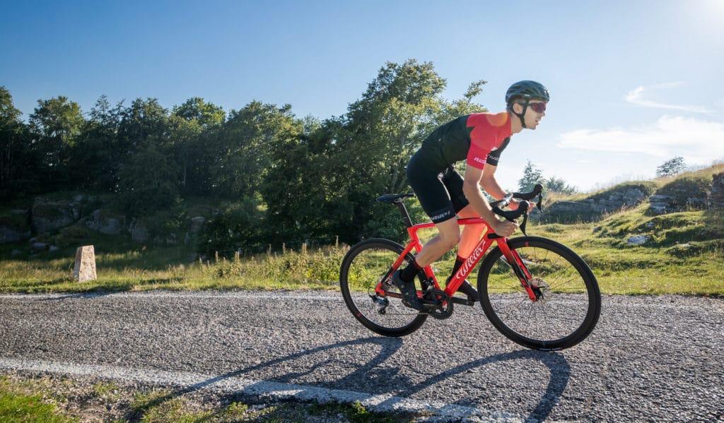 Ciclista con Wilier cento 10 SL